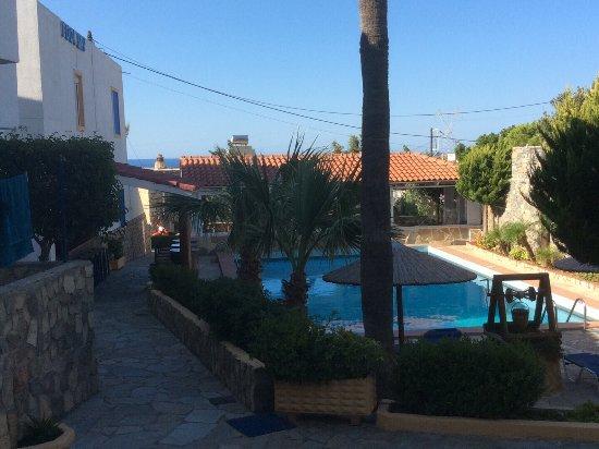 Elenis Apartments