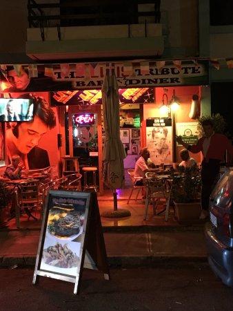 Simon's The Elvis Tribute Bar: photo1.jpg