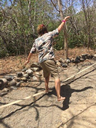 Popoyo, นิการากัว: Slack line at Equilibrio