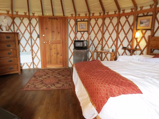 Soule Creek Lodge: The yurt of the setting sun