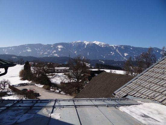 Baixa Áustria, Áustria: Blick vom Hotel auf das Goldeck
