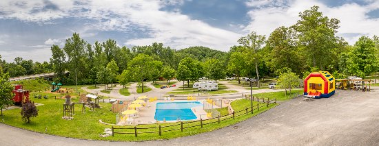 Eureka, MO: It's time to book your family escape!