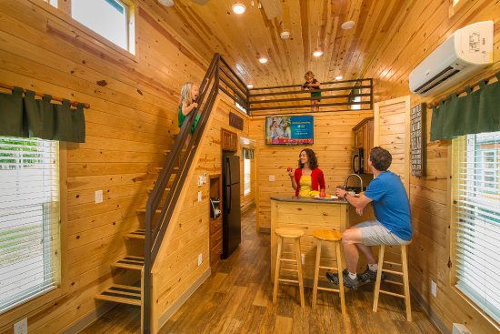 Eureka, MO: Deluxe Cabins at the St. Louis West KOA