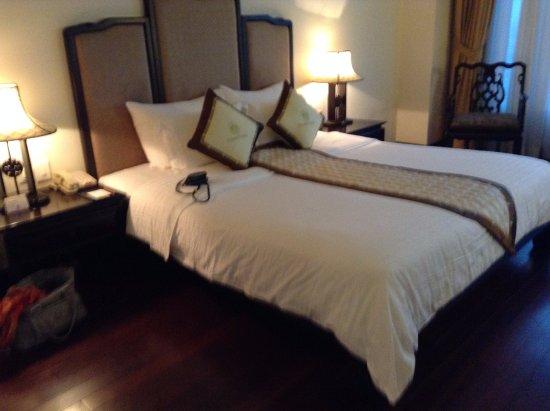Imperial Hotel: La chambre stanadrt pour une nuit.