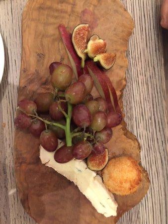 Lenox, MA: Cheese platter for dessert