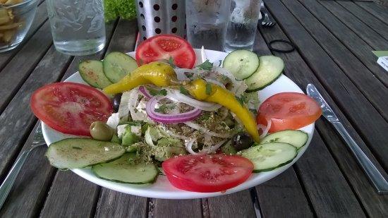 Eupen, Belgique : Salade du berger (vinaigrette bien sympa!)