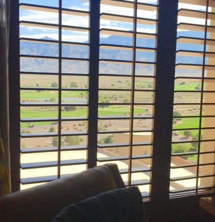 Sandia Resort & Casino: Nice privacy shutters help maintain temps too