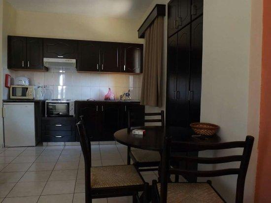 Kefalonitis Hotel Apts.: FB_IMG_1473796151197_large.jpg