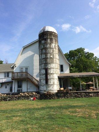 Jones Farm : I Like Barns and Silos