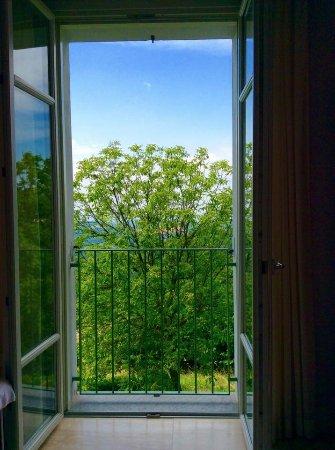Benevello, Italien: view from bathroom toilet