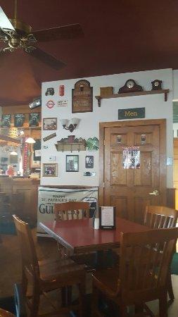 Walden, NY: Sweeney's Irish Pub