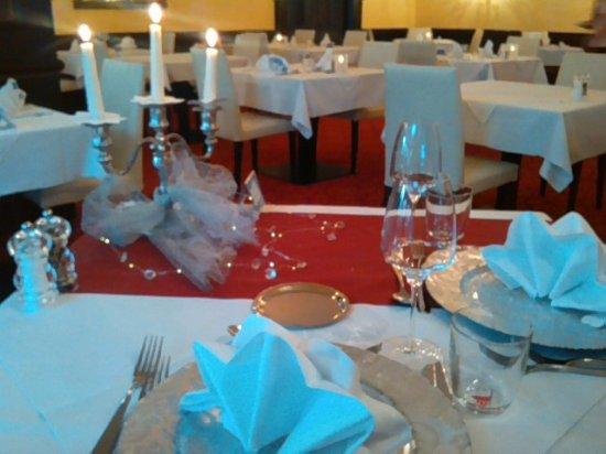 Gedeckter Tisch Zum Geburtstag Abendessen Picture Of Hotel Das