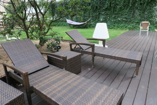 LiV'iN Residence Frankfurt-Seilerstrasse: Nice garden round the hotel