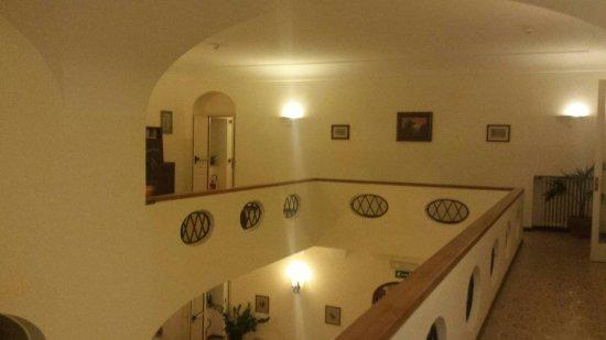 Hotel Villa Sarah: 20160912_214620_large.jpg