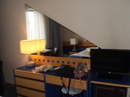 3k Barcelona Hotel: P4280045_large.jpg