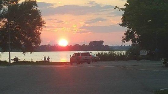 Rondeau Provincial Park: Sunset at Rondeau Bay