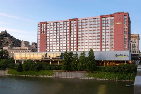 Radisson Hotel Rochester Riverside Updated 2017 Prices Reviews Ny Tripadvisor