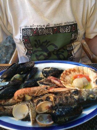 Petrcane, كرواتيا: Tanier s morskými plodmi