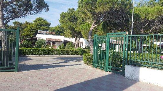 Parco Carabella Hotel: 20160904_085026_large.jpg