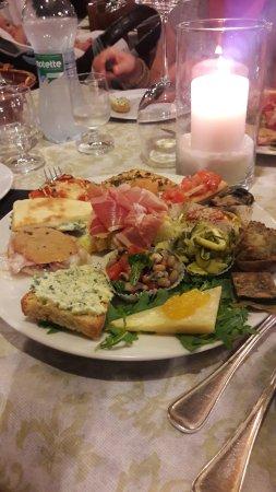 กัสเตลริโกน, อิตาลี: Ottimo ristorante!!! Piatti unici che profumano di casa in un bellissimo contesto ...lo consigli