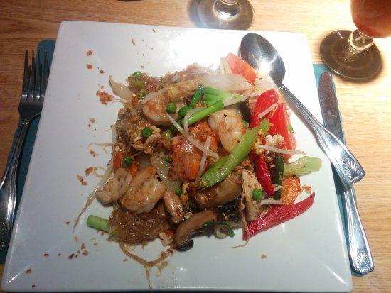 Thai Bamboo : Una generosa y deliciosa porción de Pad Woon Sen.