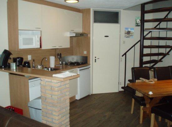 Brouwershaven, เนเธอร์แลนด์: Kitchen and dinning area