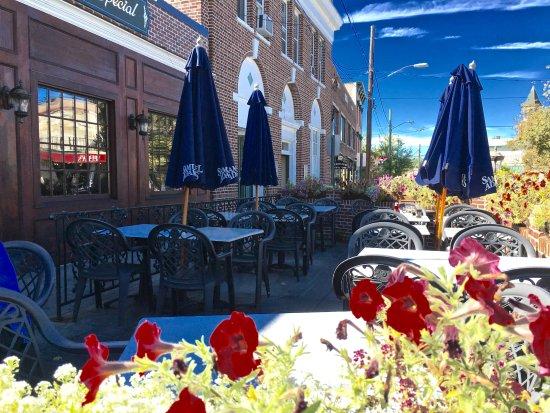 Putnam, CT: patio