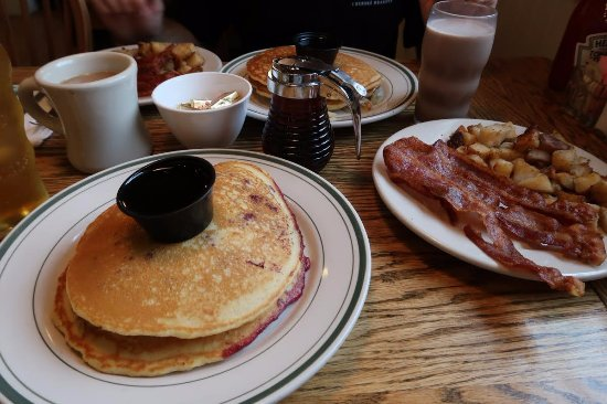 Wilmington, VT: Berry Pancakes with side of bacon and home fries