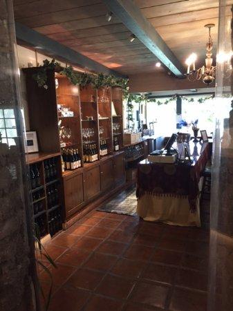 Солванг, Калифорния: Public tasting room
