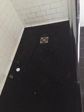 Hurley, UK: shower
