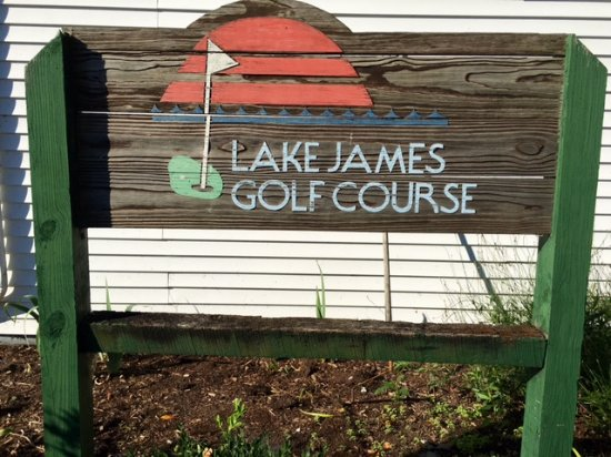 Angola, IN: Lake James Golf Course signage