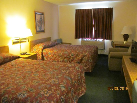 Super 8 Superior WI: Our room on the second floor.