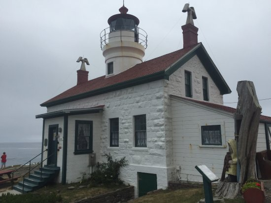 Battery Point Lighthouse: This is a great free stop. You can go up the hill and read about the lighthouse or just enjoy th