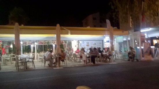 7 Cafe Figo E China Lda: Esplanada