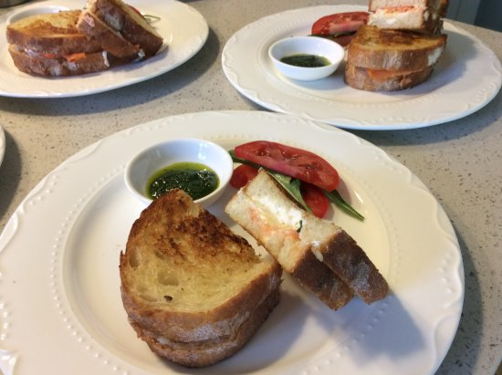 Birmingham Manor Bed and Breakfast: Smoked salmon grilled cheese sandwich with herbs pesto