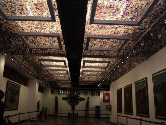 National Sanctuary Of Our Lady Of Aparecida: Sala Dos Milagres No Santuário Nacional Nossa Senhora