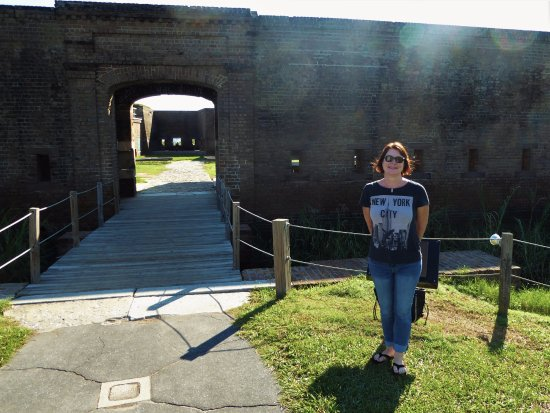 Old Fort Jackson: Hottie at the gate