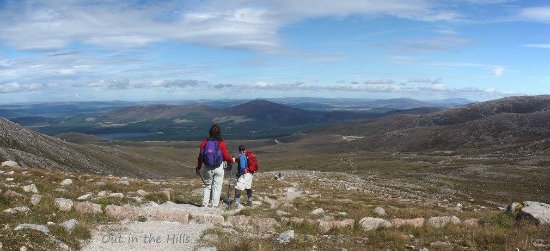 Aviemore, UK: Climbing up from the lodge at Cairngorm Mountain