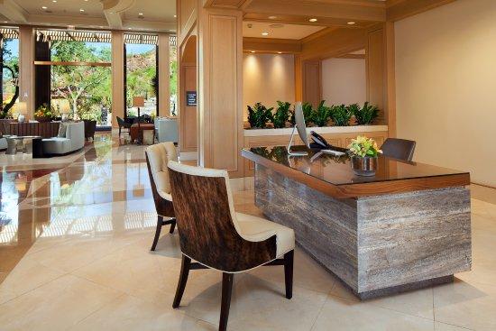 The Canyon Suites at The Phoenician: Canyon Suites Concierge Desk
