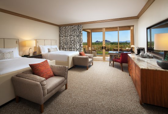 The Canyon Suites at The Phoenician: Canyon Double Golf View