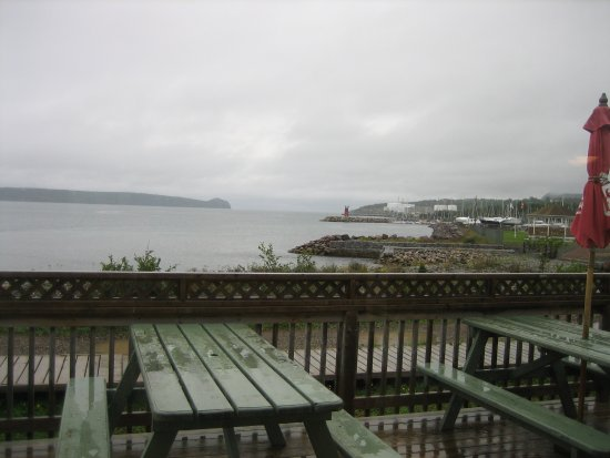 Holyrood, Kanada: View from inside on wet day