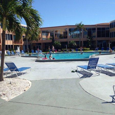 Dolphin Beach Resort: photo3.jpg