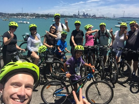 Adventure Capital: Waterfront guided bike tour Auckland