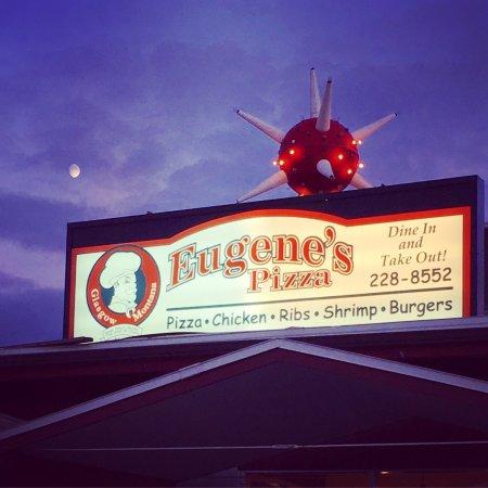 Eugene's Pizza