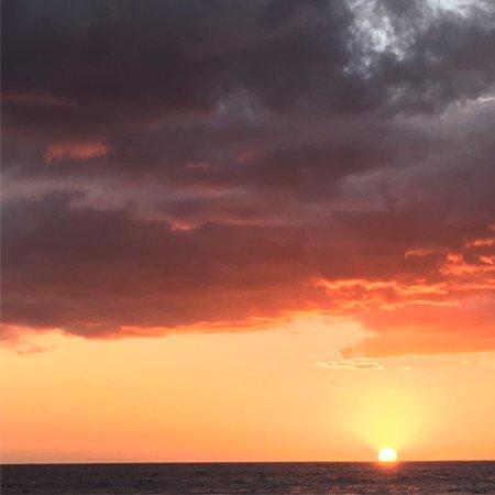 Остров Навини, Фиджи: Sunset