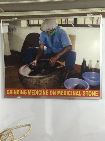 Mawanella, Sri Lanka: الاعشاب بداية العلاج للانسان و حتى الان لا يزال الطب بالاعشاب فقط هو المستخدم و بدون اثار جانبية