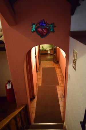 Hostal El Patio: Stairs, 2nd to ground floor