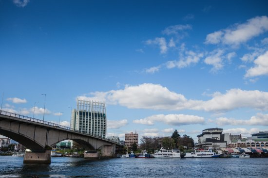 Hotel Dreams Valdivia: A view of the hotel from Isla Teja across the river