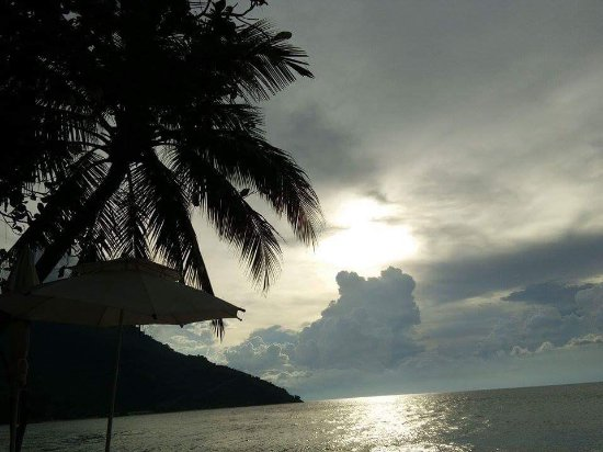 Sunset at Aninuan Beach Resort: photo6.jpg