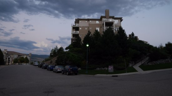 Best Western Plus Kelowna Hotel & Suites Photo